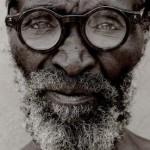 Des lunettes correctrices réglables pour les pays en développement