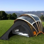 Orange présente un concept de tente solaire