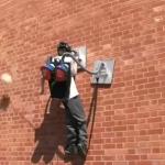 Spiderman existe et il kiffe les aspirateurs